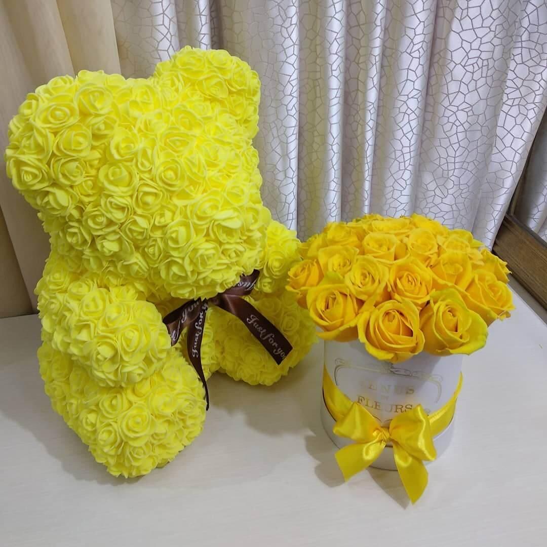 Желтые розы в коробке Бизнес-букеты Желтые Venus in Fleurs