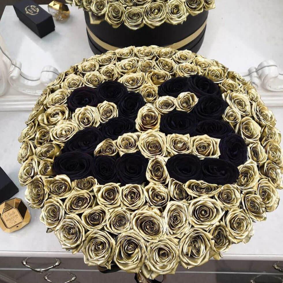 Золотые розы в коробке Eleganzza Date Розы в коробке Золотые