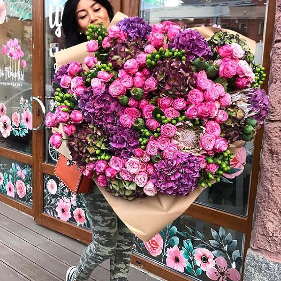 Большой букет гортензий Букеты Розовые Venus in Fleurs