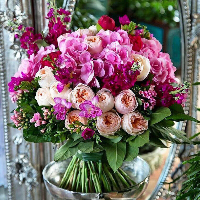 Большой букет любимой Бизнес-букеты Розовые