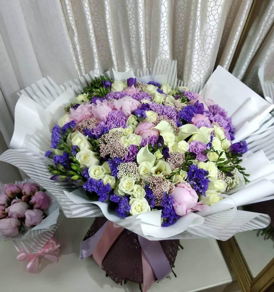 Необычный букет Бизнес-букеты Розовые Venus in Fleurs