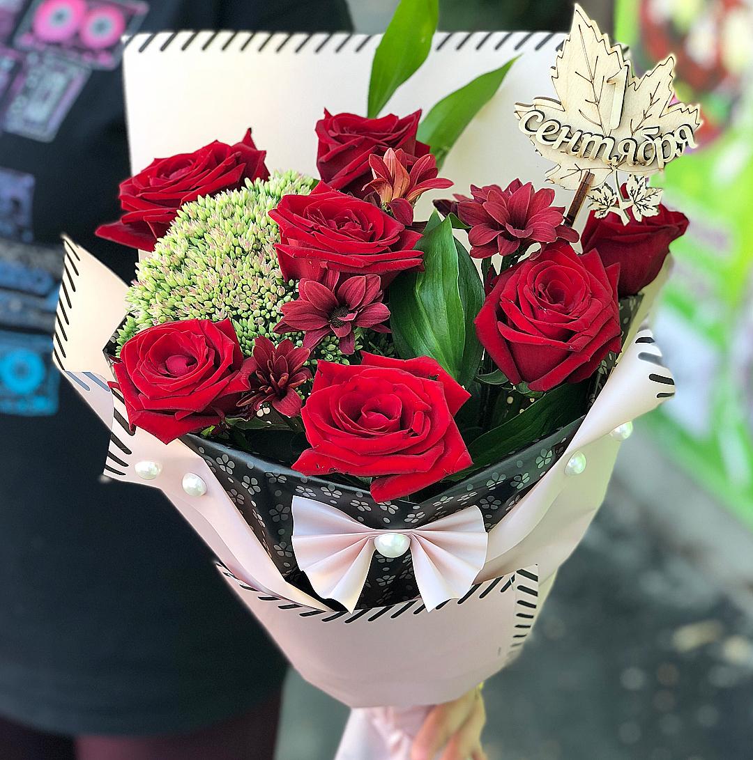 Букет на 1 сентября из красных роз До 4 000 р. Красные Venus in Fleurs