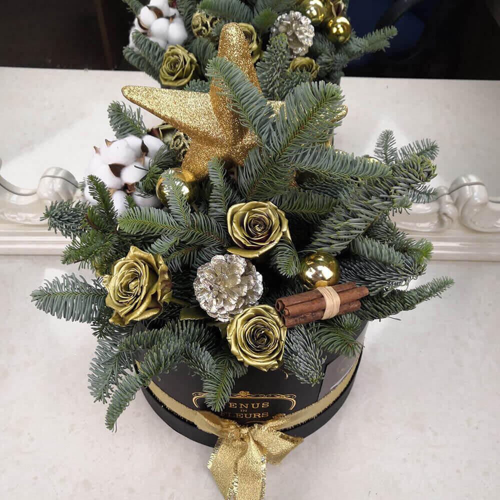 Шикарный новогодний букет Новый год Золотые