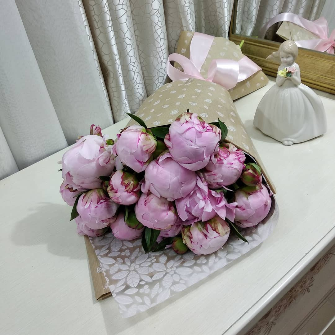 19 пионов Бизнес-букеты Розовые Venus in Fleurs