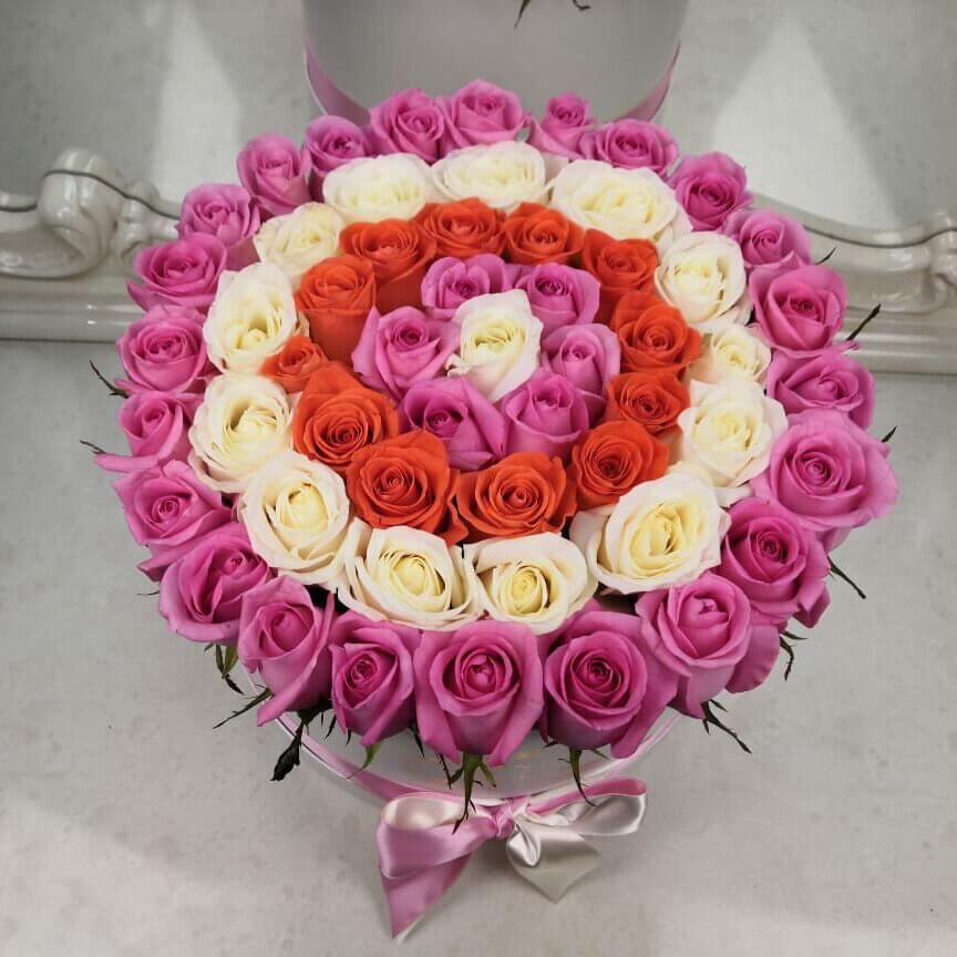 Букет в шляпной коробке Бизнес-букеты Розовые