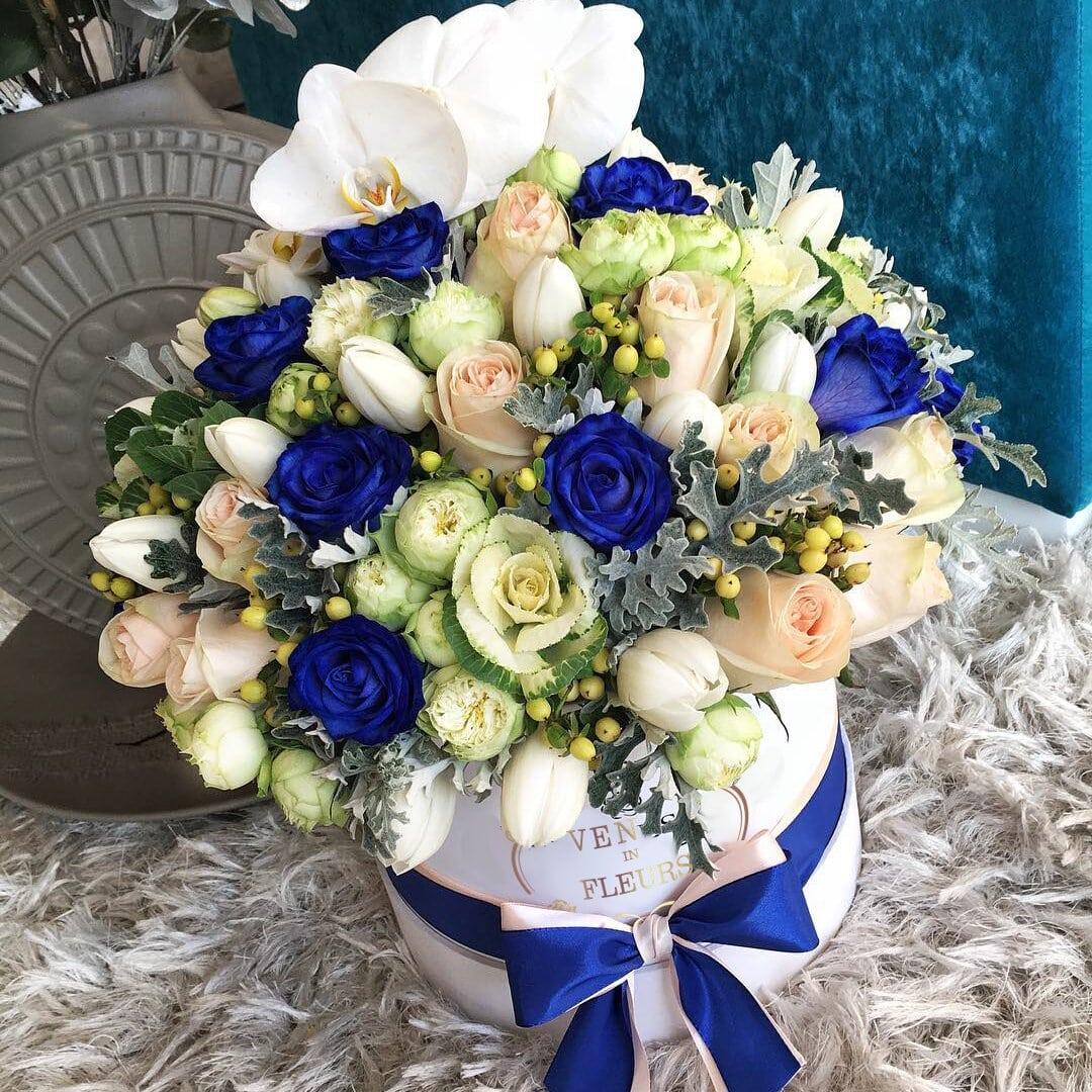 Изысканные цветы ВИП букеты Розовые Venus in Fleurs