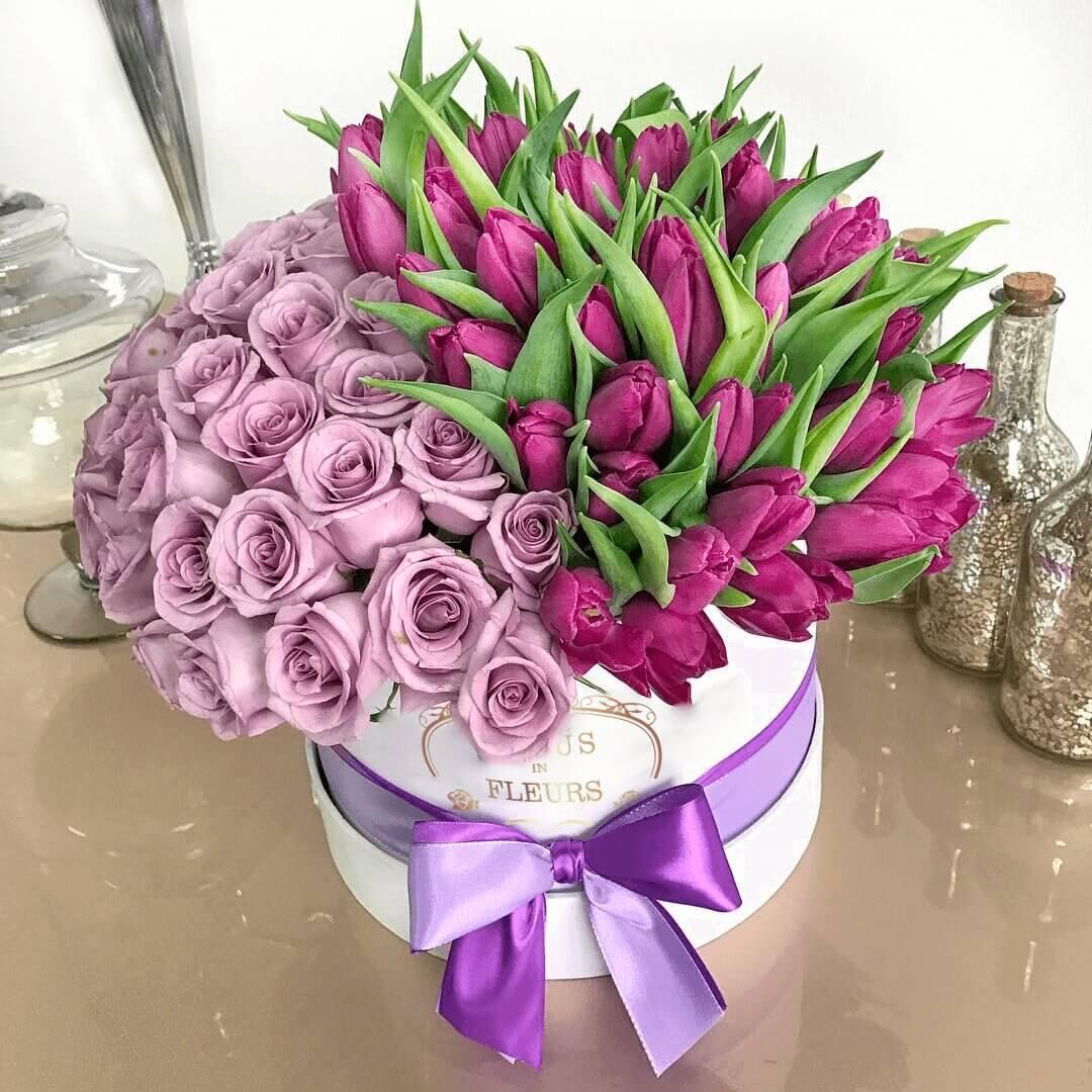 Розы и тюльпаны Бизнес-букеты Фиолетовые Venus in Fleurs