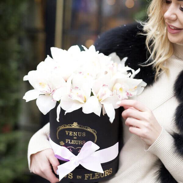 Орхидеи в коробке Цветы в коробке Белые Venus in Fleurs