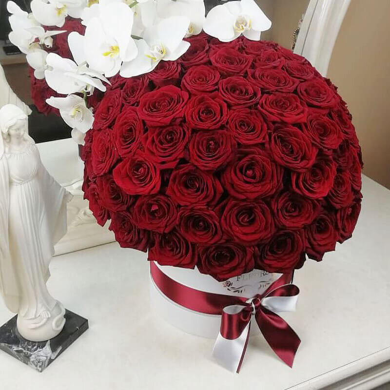 "Пышный букет цветов ""Lovely Luxury"" Бизнес-букеты Красные"