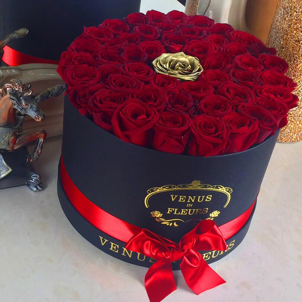 """Розы в коробке """"Gold Point"""" от 9 шт. Бизнес-букеты Красные Venus in Fleurs"""