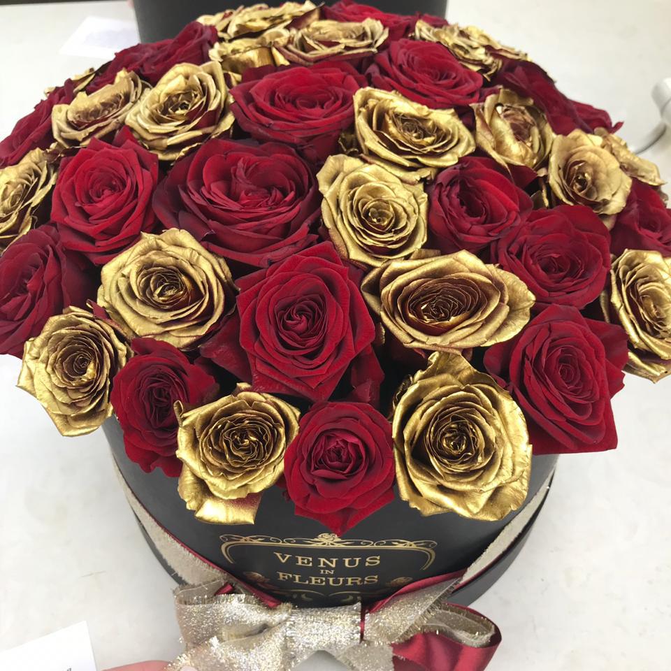 Красно-золотые розы Бизнес-букеты Красные Venus in Fleurs