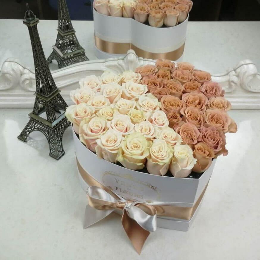 Букет цветов с добрым утром Розы в коробке Кофейные