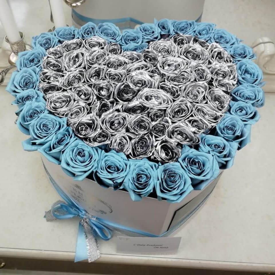 Серебряные розы с тиффани - сердце Розы в коробке Голубые Venus in Fleurs
