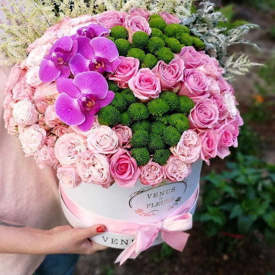 Романтичные цветы ВИП букеты Розовые Venus in Fleurs