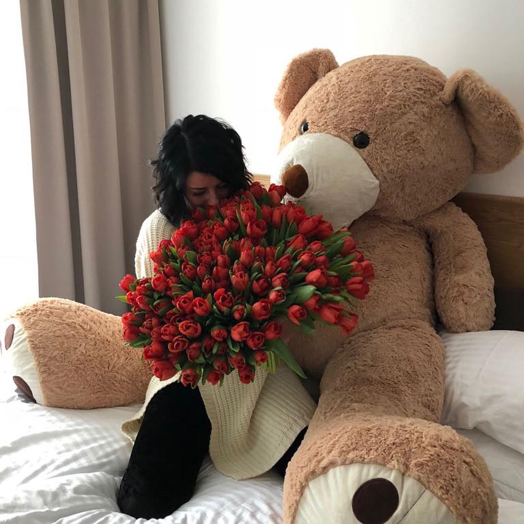 Букет красных тюльпанов Бизнес-букеты Красные Venus in Fleurs