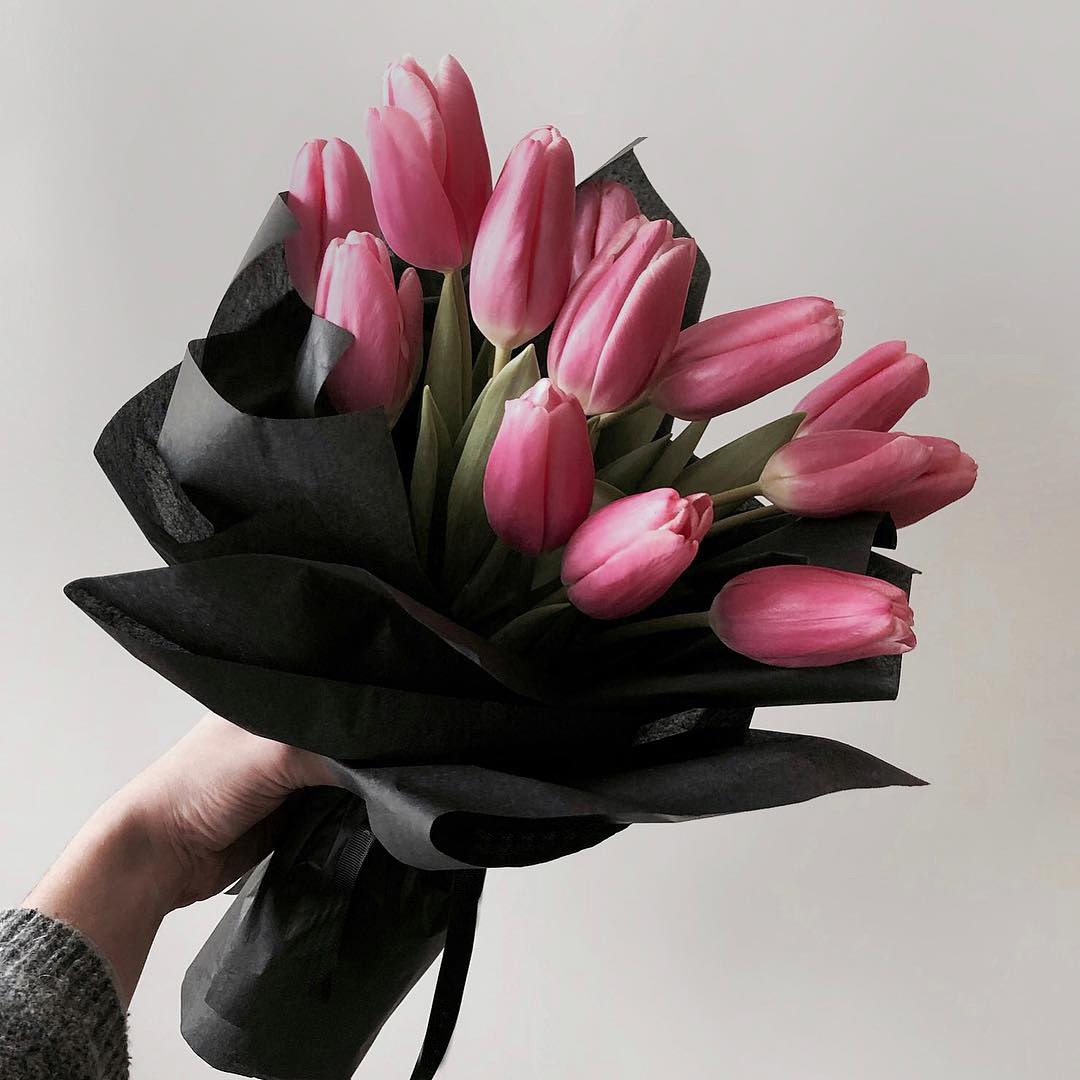 Корпоративные букеты розовых тюльпанов Букеты Розовые Venus in Fleurs