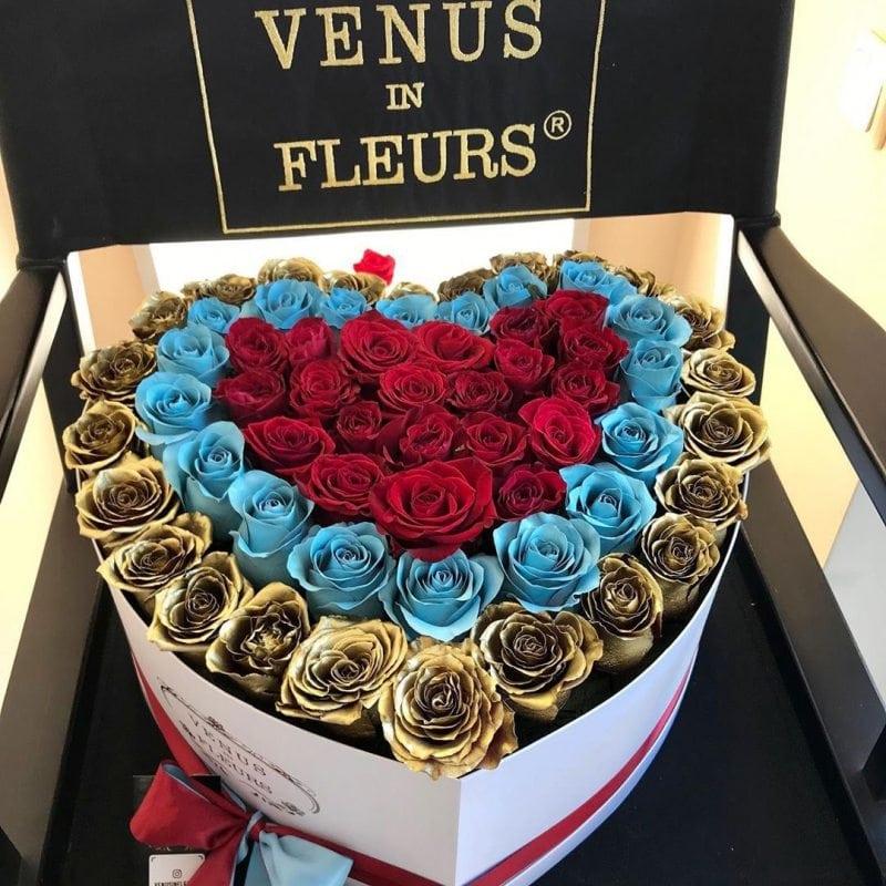 Букет сердце Розы в коробке Красные Venus in Fleurs