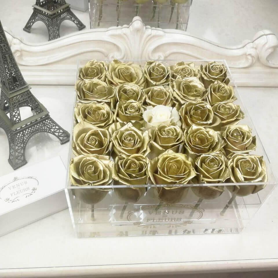 Золотые розы в стеклянной коробке Цветы в стеклянной коробке Белые Venus in Fleurs